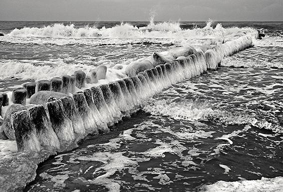 Выставка к 70-летию фотохудожника Василия Пахомова