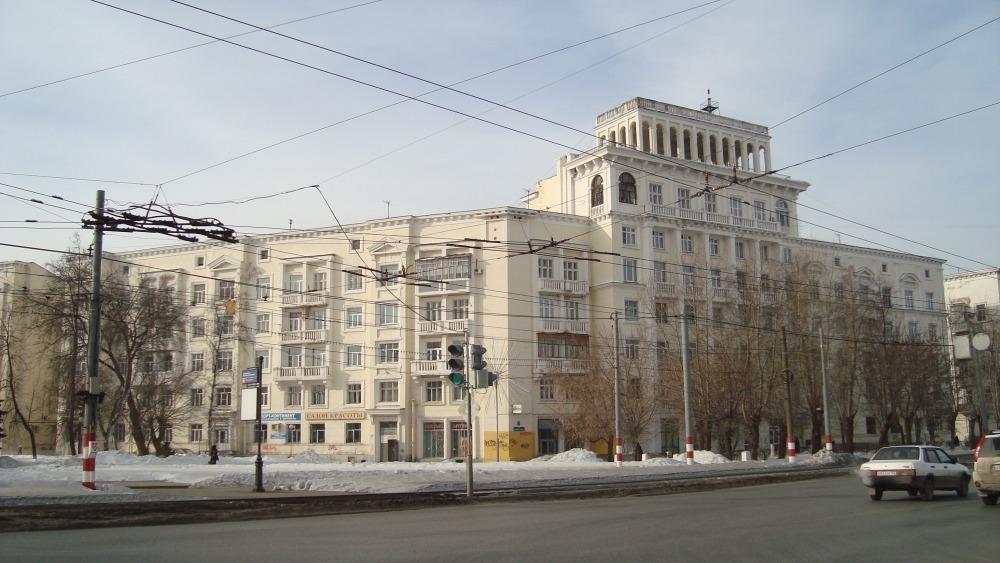 Дом Нефтегаза, то есть, для работников завода Нефтегаз, 1935 год, известный нижегородский архитектор Александр Яковлев