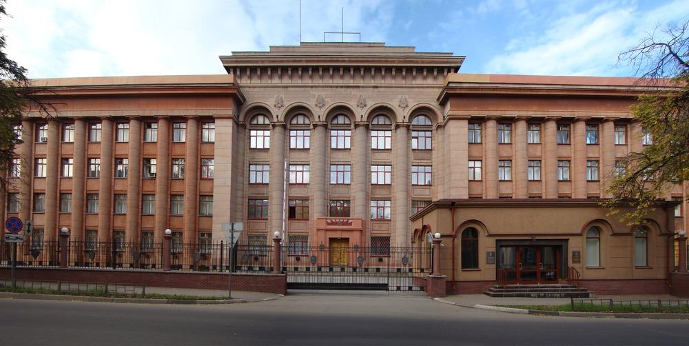 Здание ФСБ, которое спроектировал в жутком 1937 году архитектор Александр Тюпиков, находясь под надзором у НКВД