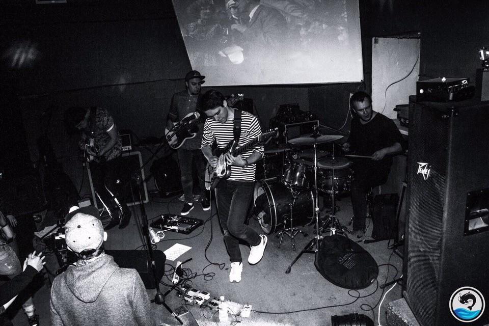 Группа «Магнитола» на волне «крис-рока»