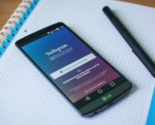 Первые шаги, с которых начинается пусть продажи своего творчества в социальных сетях
