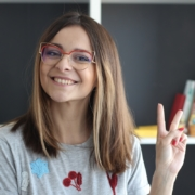 Таня Старикова – блогер, ведущая ютуб-канала Starikova T.V.