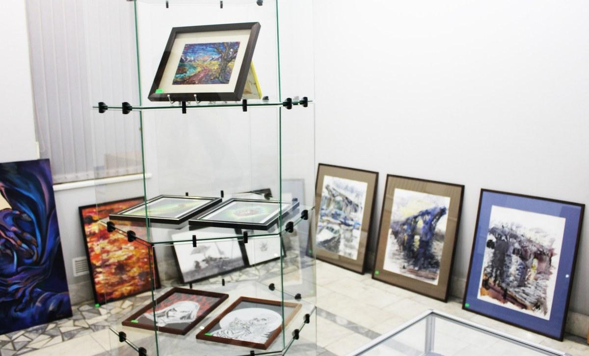 Юбилейная, десятая выставка современного искусства «Вертикаль»