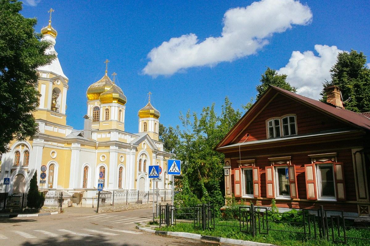 История района Церкви Трех Святителей в Нижнем