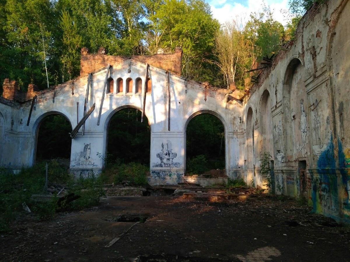 Развалины Куйбышевской водокачки в Нижнем Новгороде