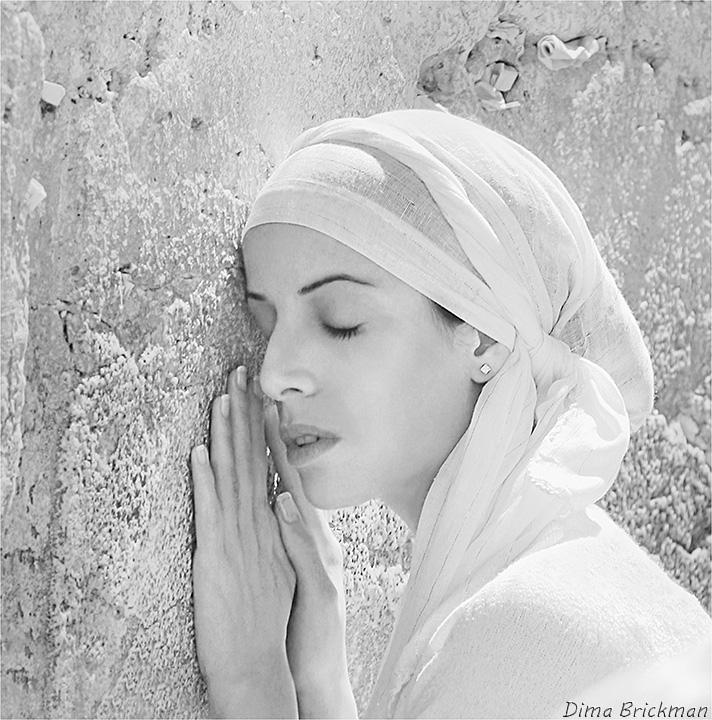 Персональная выставка израильского фотохудожника Дмитрия Брикмана «Молитва Иерусалима»