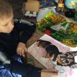 Мальчик из Арзамаса спасает животных своими картинами
