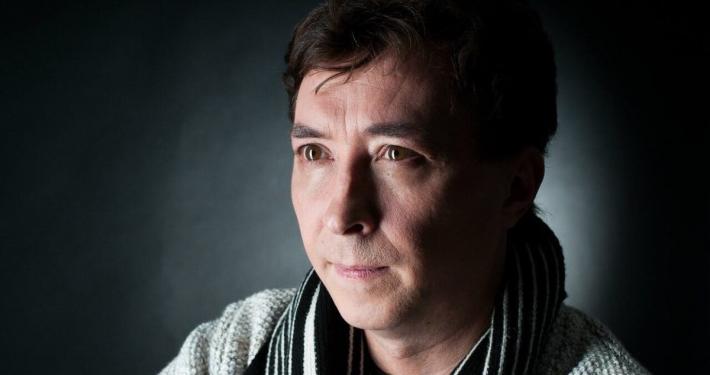 Алексей Филиппов — актёр нижегородского ТЮЗа, директор «Театра «Камер-юнкер» и Продюсерского центра «Круг в квадрате»