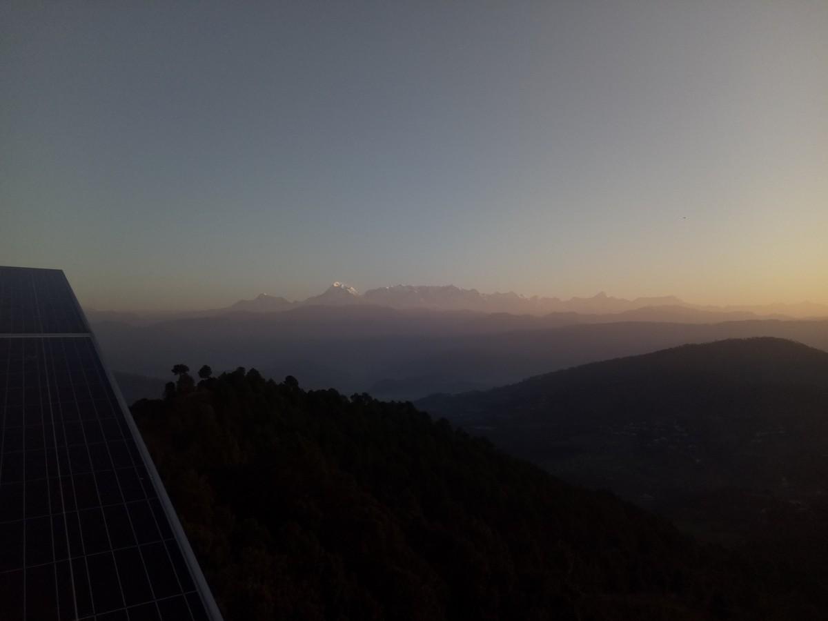 Горная цепочка Утаркханд на рассвете, Индия