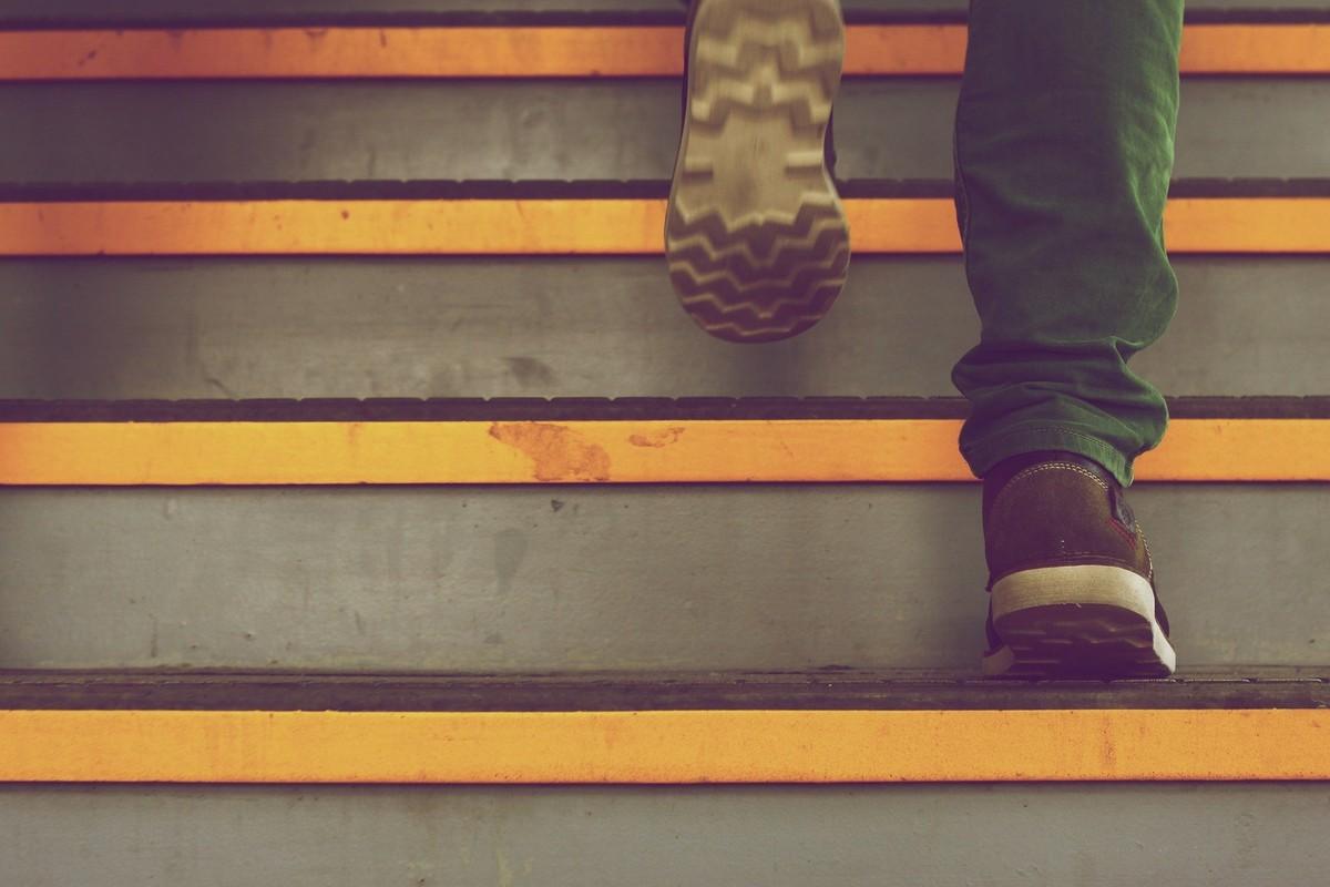Где и как искать работу начинающему автору
