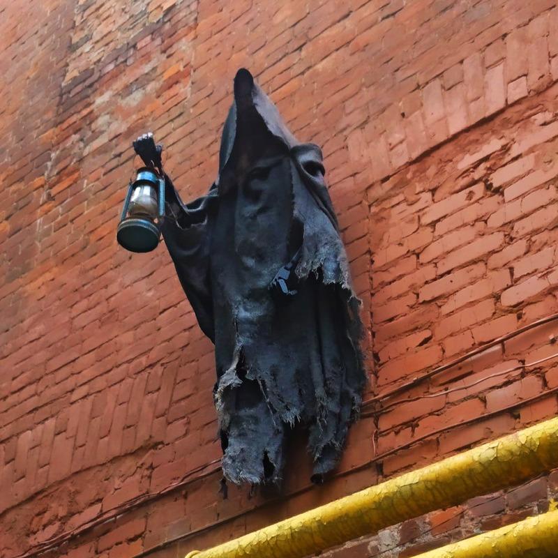 Арт-объект Дементор в Нижнем Новгороде на улице Рождественской, 6