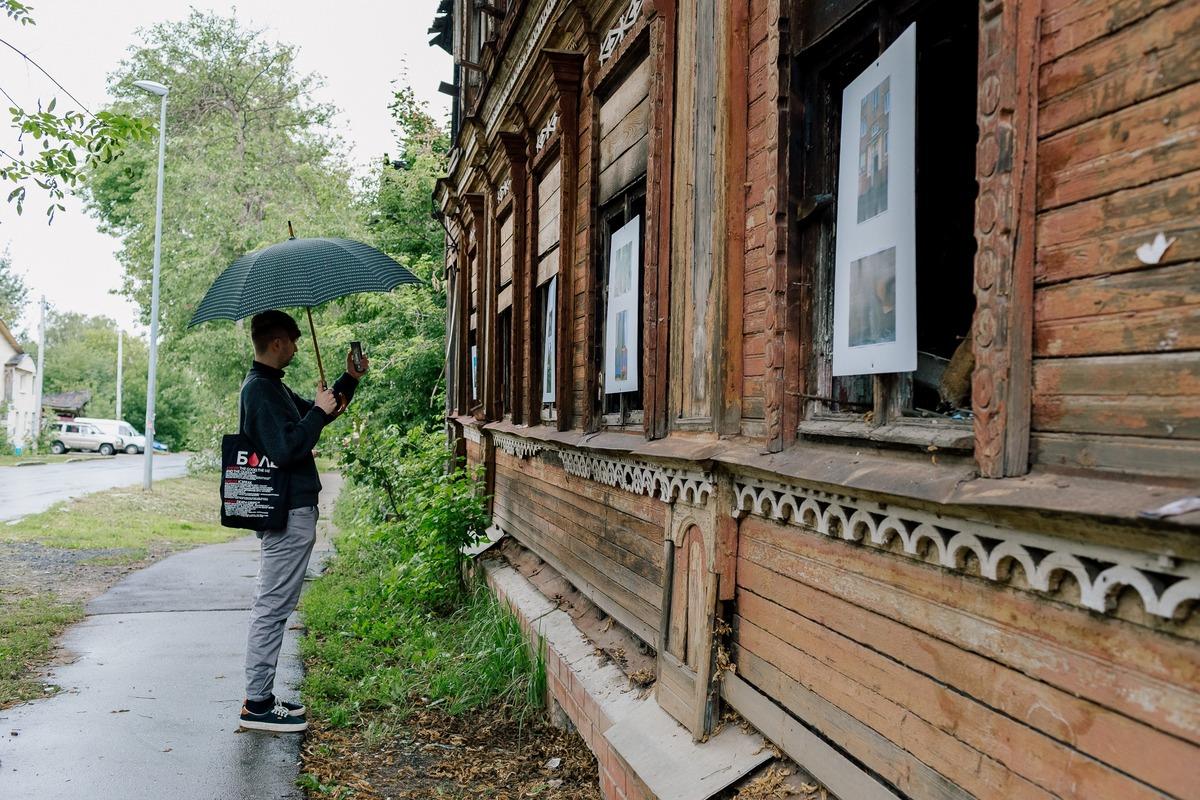 Участниками выставки стали молодые нижегородские и петербургские фотографы и любители