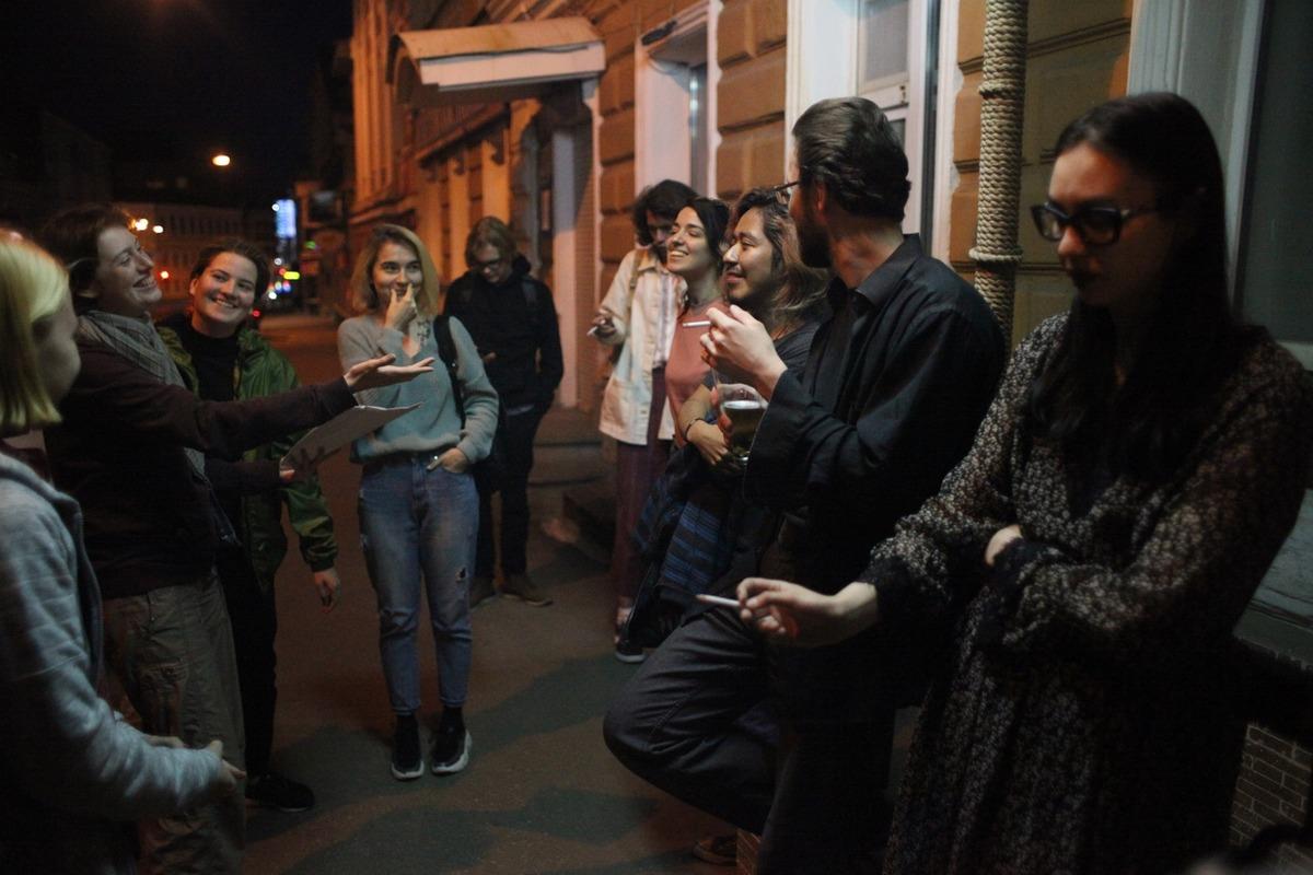Обсуждение фильма «Молоко скорби». Родриго Аргедас — третий справа
