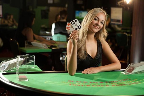Блэк-джек в онлайн казино - правила и тактика игры