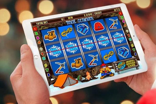 Обзор онлайн казино Slotor в интернете
