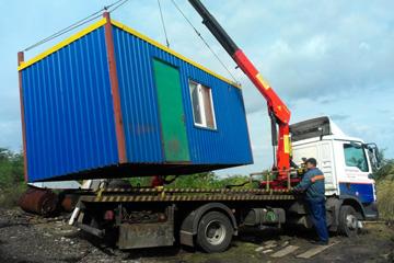Особенности безопасной перевозки строительных бытовок