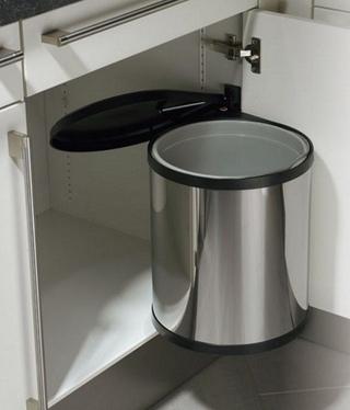 Как выбрать мусорное ведро для кухни?